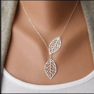 Double Leaf Delicate Necklace Silver